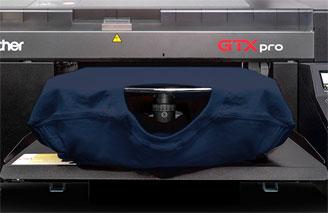 DTG printer printing the t-shirt